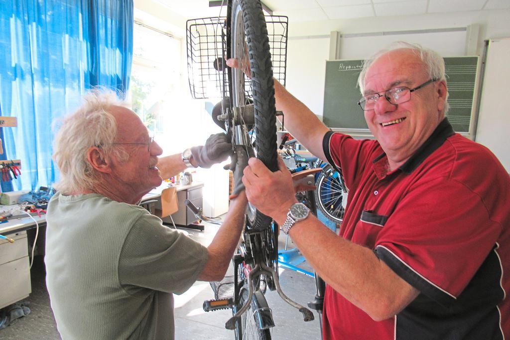 Fahrradwerkstatt ist geöffnet – Ein eingespieltes Team