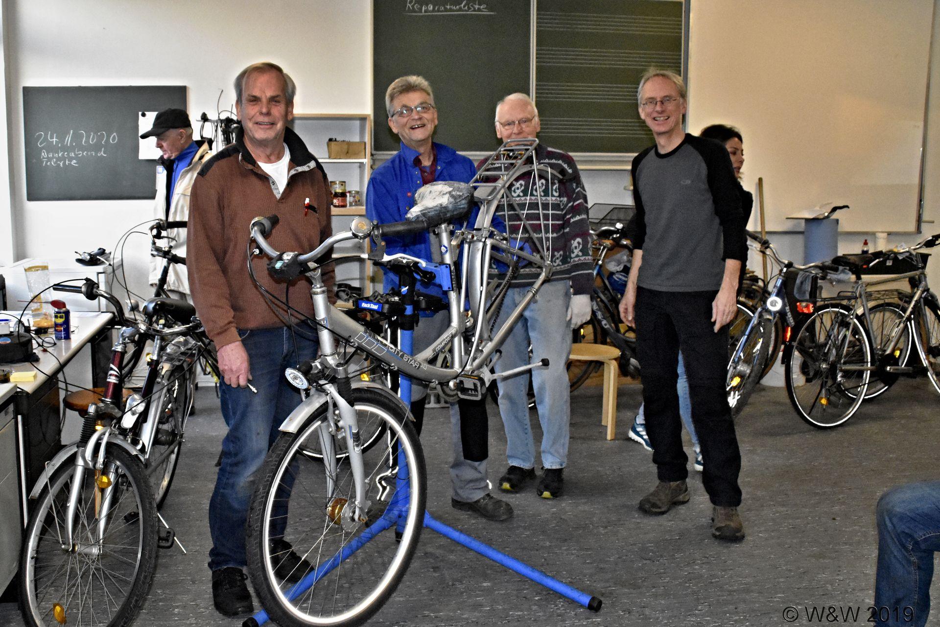 Fahrradwerkstatt sucht weitere Exemplare – Extraschichten für Mobilität